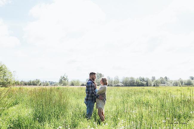 bellingham engagement photographer; hovander farm engagement photography;